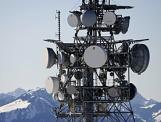 Ein Sendemast, aufgenommen am Freitag, 9. Januar 2009 auf dem Niederhorn im Berner Oberland. (KEYSTONE/Peter Klaunzer)
